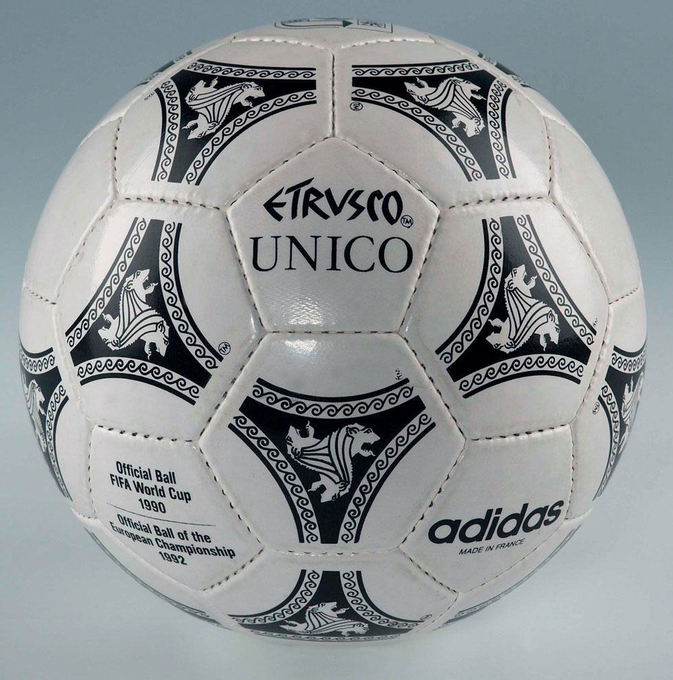 world-cup_1990_italy_adidas_etrusco_unico_official_balla