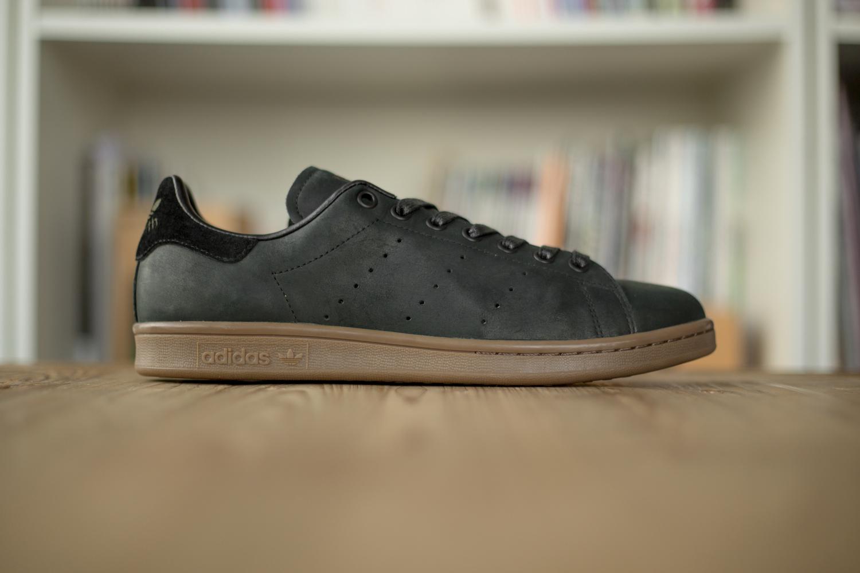 adidas original stan smith gum sole