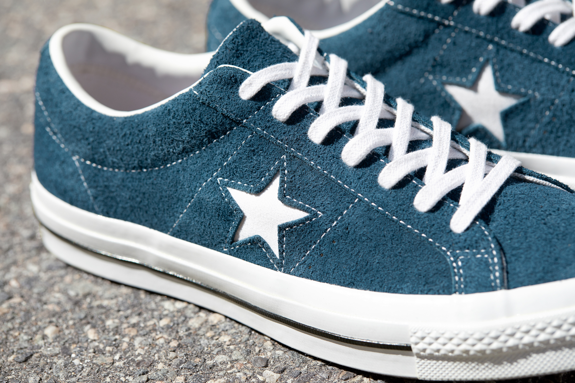 converse one star design