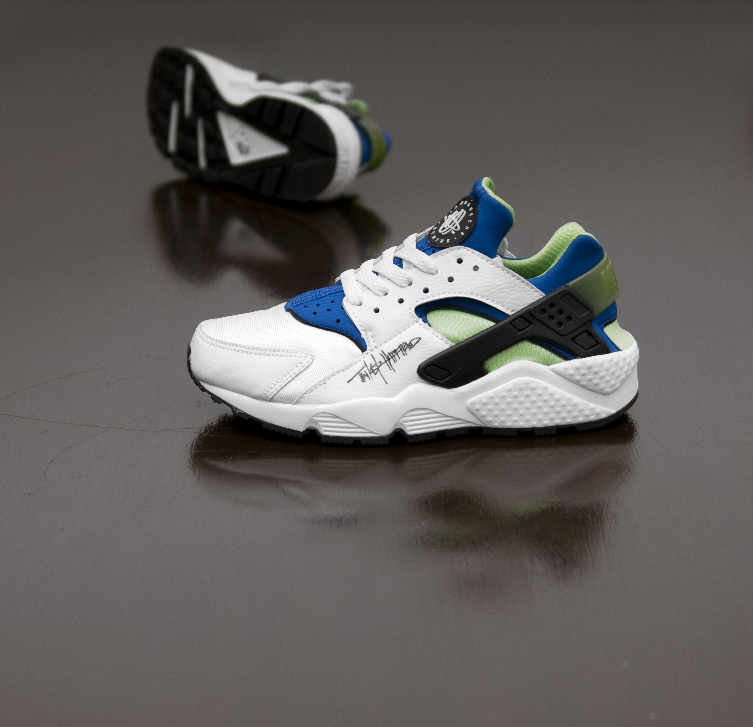 58741fe4b8f2 The Nike Air Huarache  A brief history... - size  blog