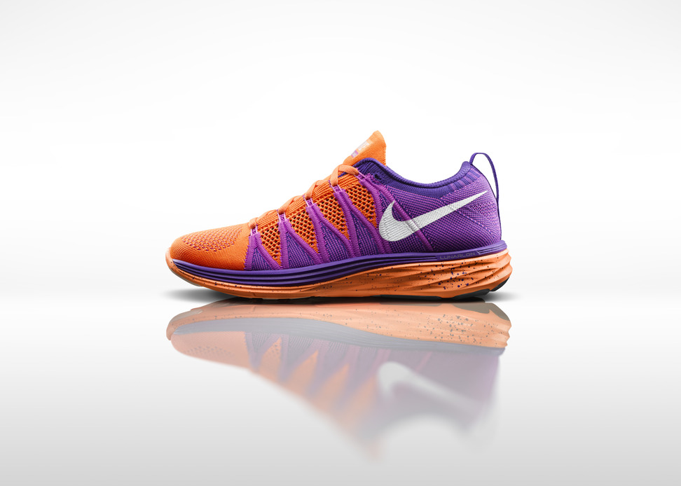 5ebc1e1a9afe An indescribable lightweight strength and intricacy is featured in Nike s  innovative Flyknit ...