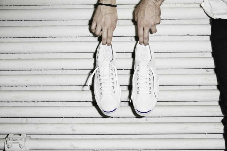 083ab049f7a550 Converse Jack Purcell Signature White - Hands 33021. Converse  revolutionises an iconic sneaker with the debut of the Jack Purcell  Signature ...
