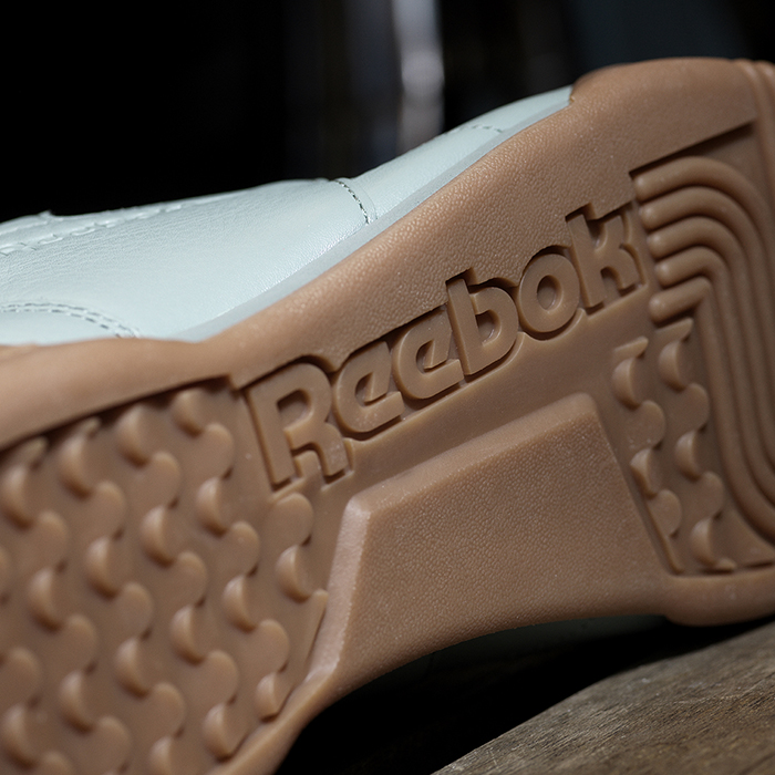Reebok_Tumbled_Leather_Single_light_detail_04_Sq