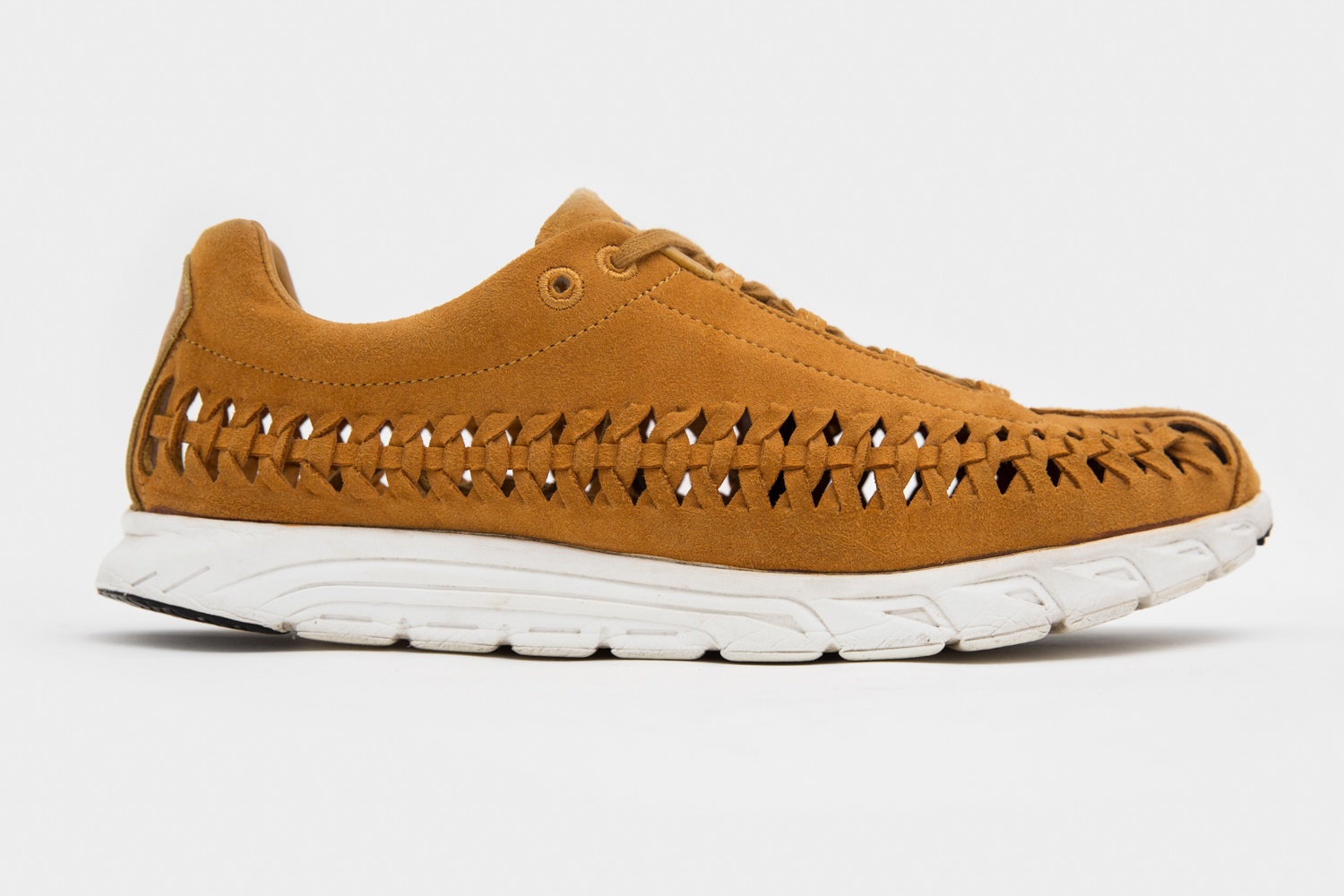 b6c6201b12e2 Shop our selection of Nike Mayfly online now.