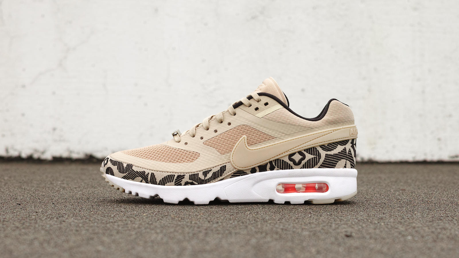 Air_Max_BW_Look_of_the_City_London_1_hd_1600