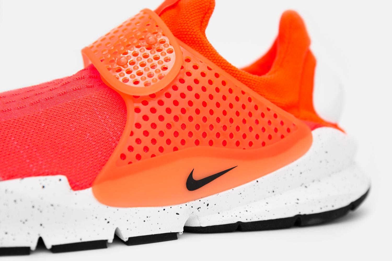 Nike_sock_dart_crimson_blue_size-3