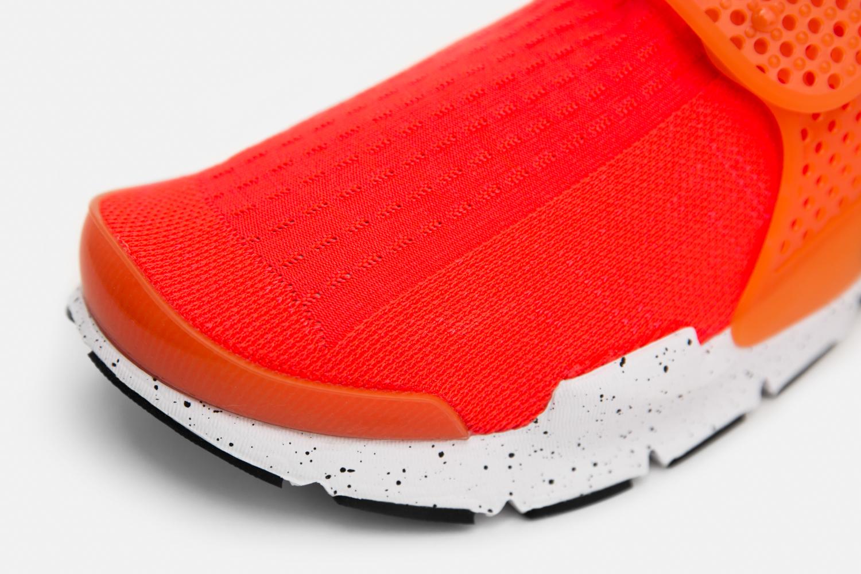 Nike_sock_dart_crimson_blue_size-4