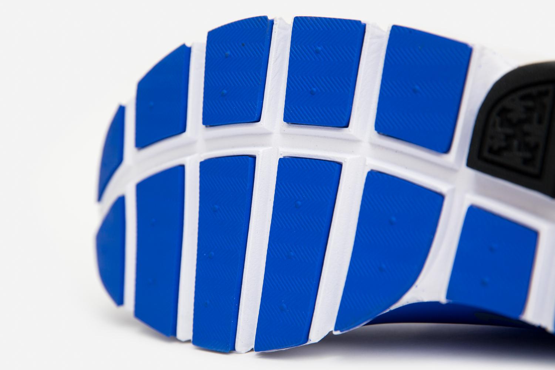 Nike_sock_dart_crimson_blue_size-5