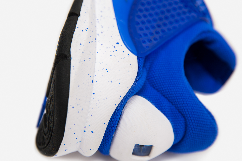 Nike_sock_dart_crimson_blue_size-7