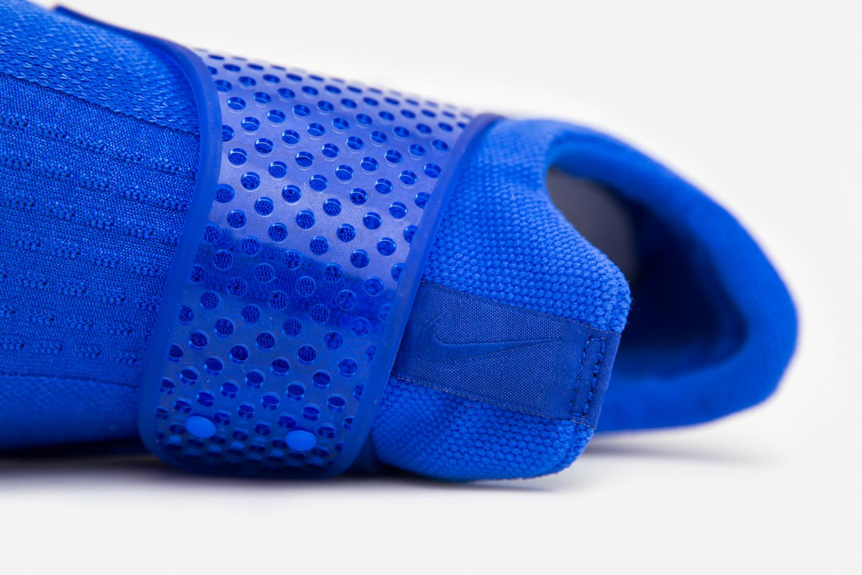 Nike_sock_dart_crimson_blue_size-8