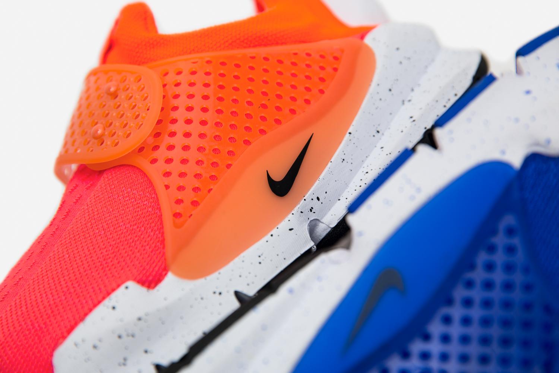 Nike Sock Dart – Crimson & Blue