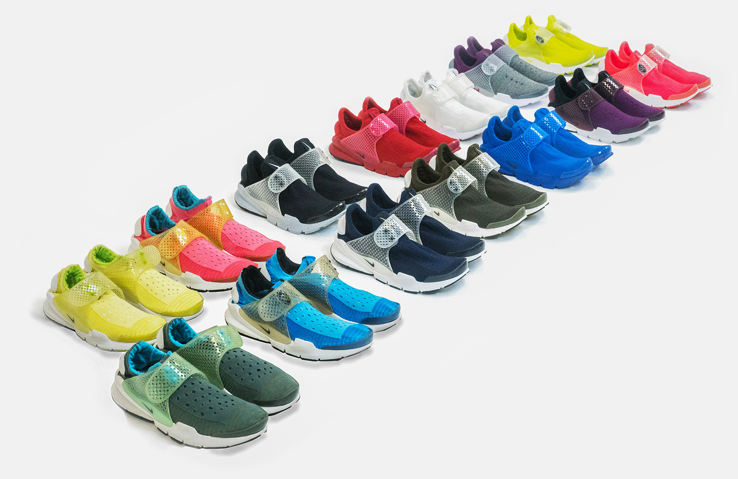 5541da517a7d The Story Behind the Nike Sock Dart - size  blog