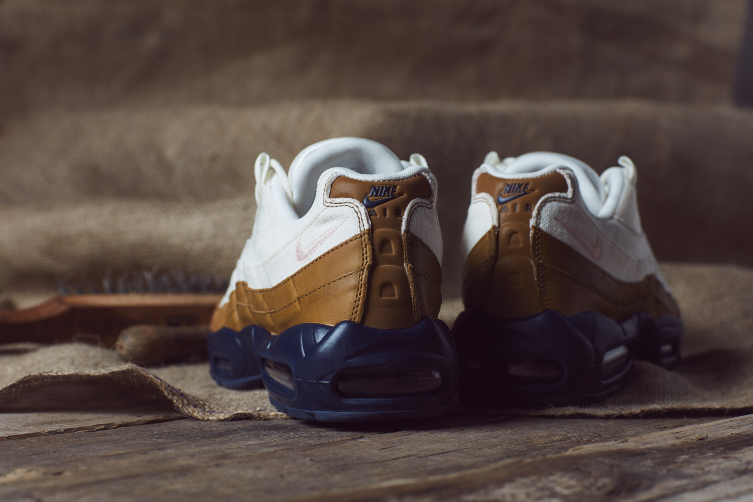Nike_Ale_Brown_Pack_size_hq-12