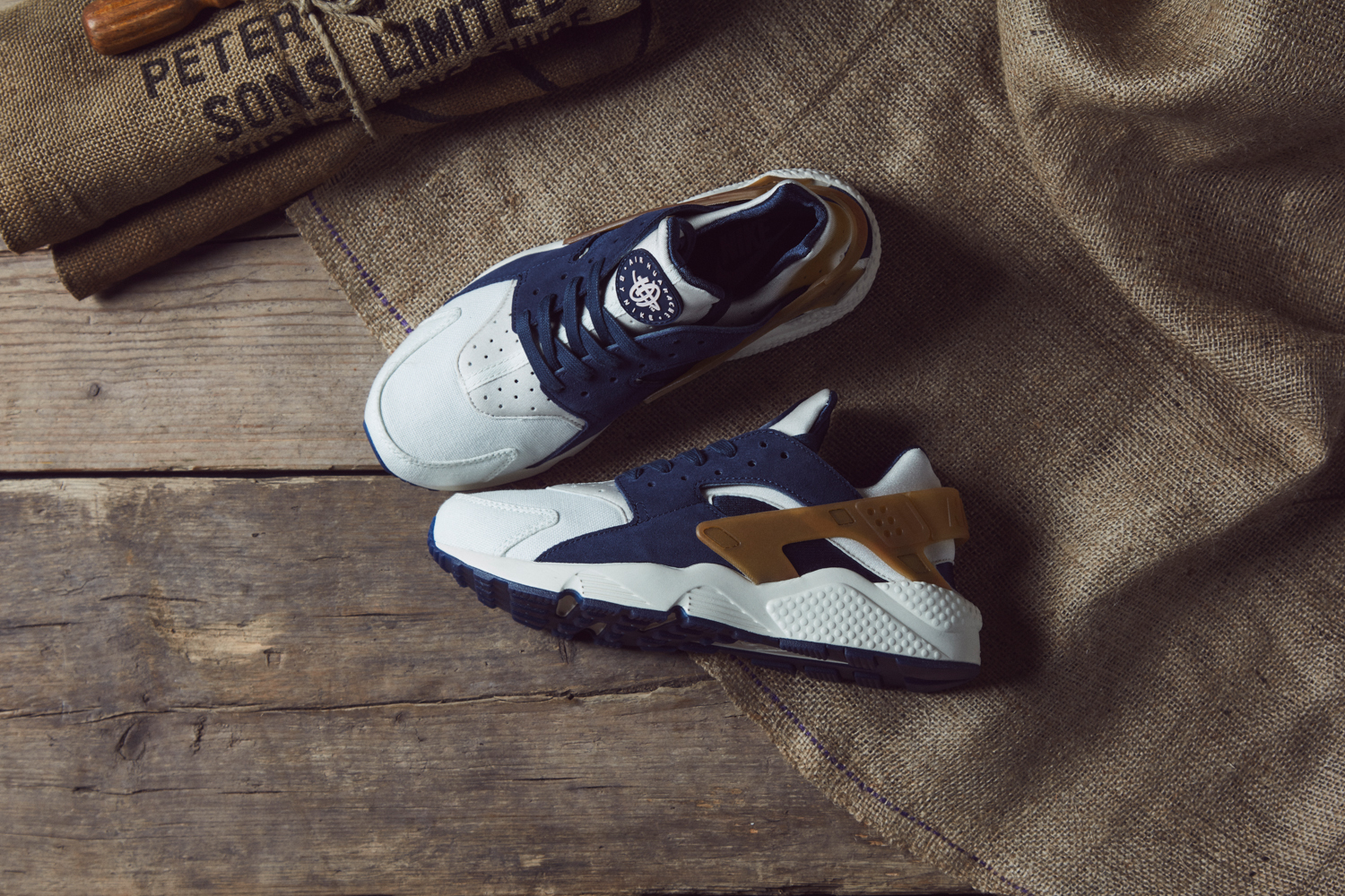 Nike_Ale_Brown_Pack_size_hq-19