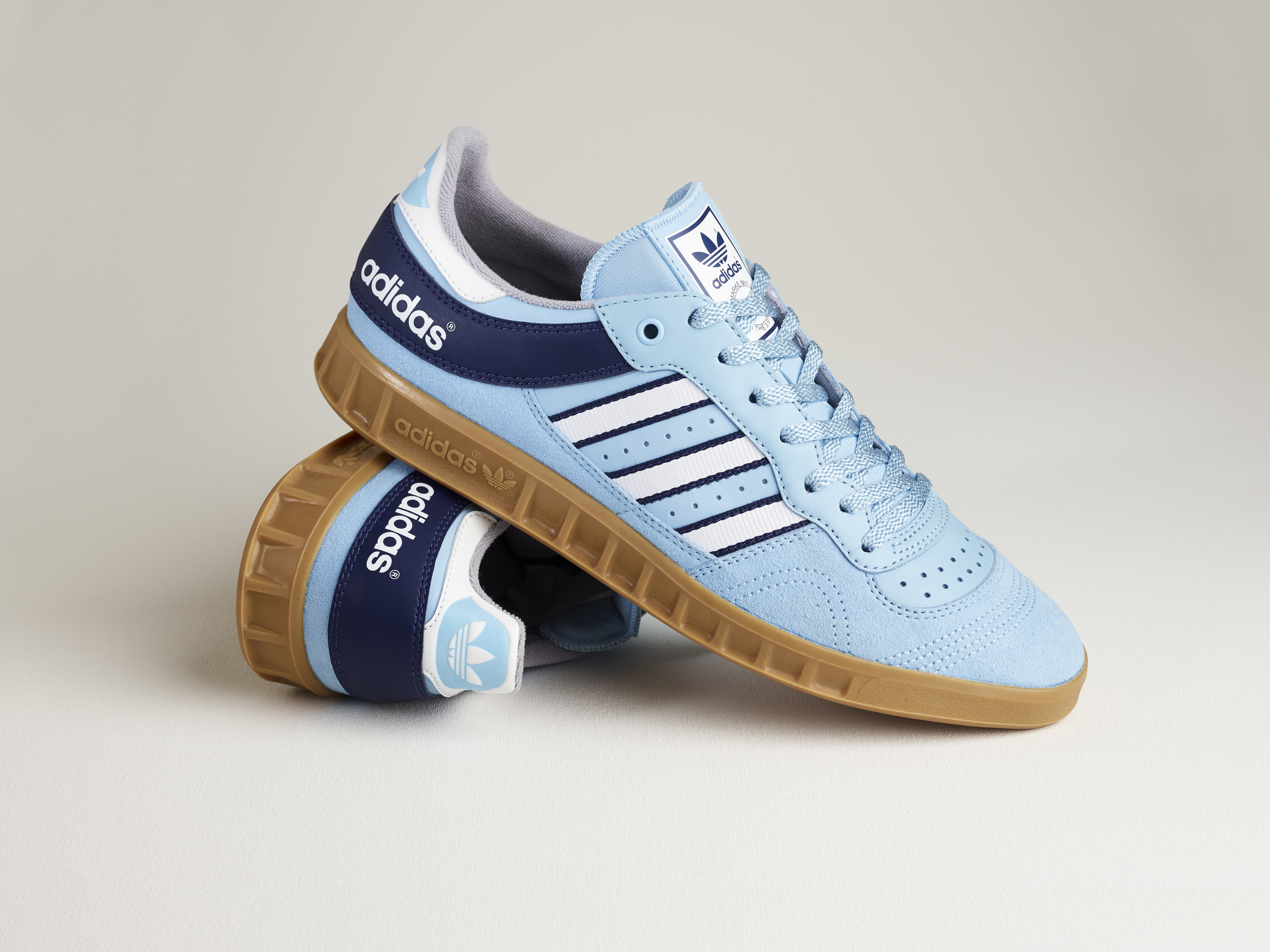 online store f36e7 00339 adidas Originals Archive Handball Top – size  Exclusive