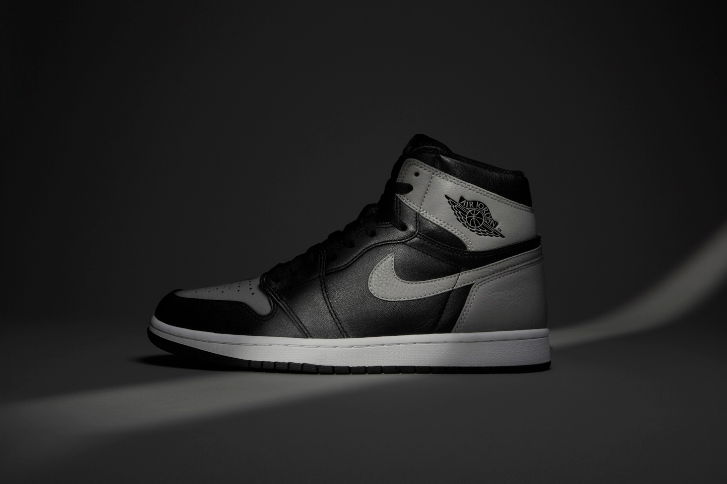 Air Jordan 1 Retro OG 'Shadow'
