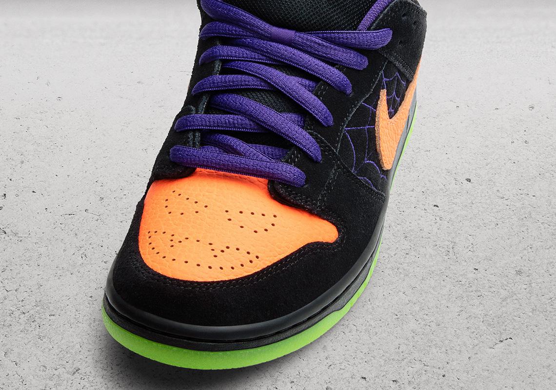 Nike SB Dunk Low 'Night of Mischief' Toe box