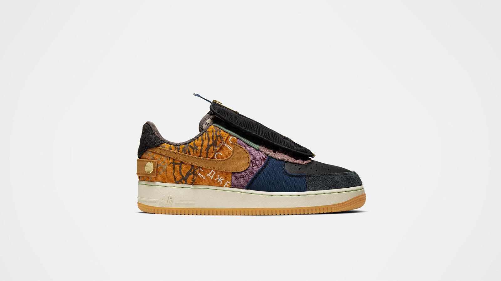 Travis Scott x Nike Air Force 1 Low Cactus Jack Lateral side