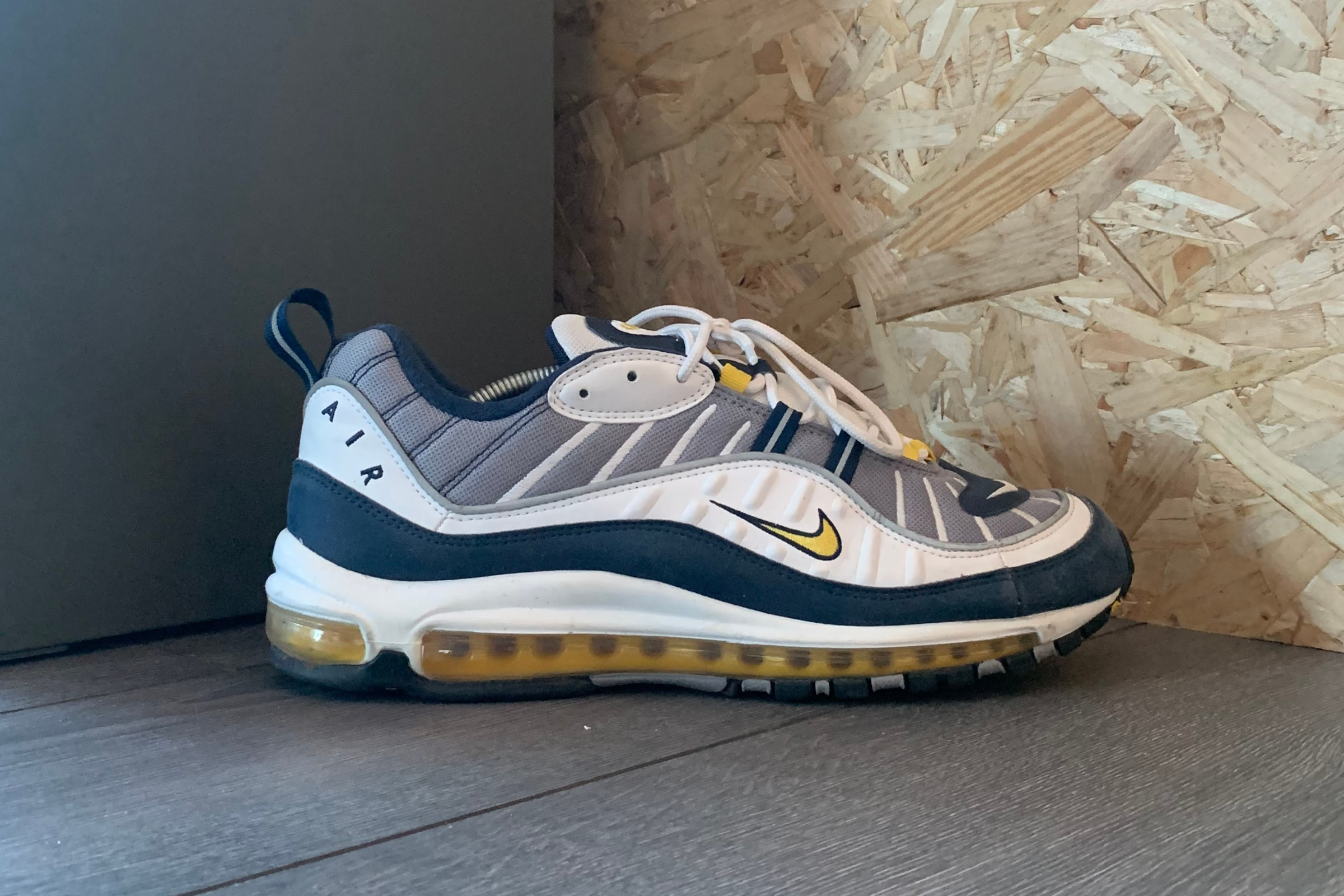 Nike Air Max 98 'Tour Yellow' - 2018