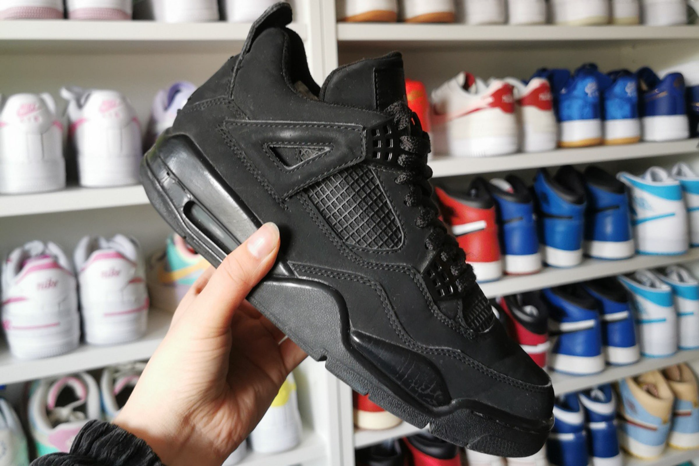 Air Jordan 4 - 'Black Cat' - 2006