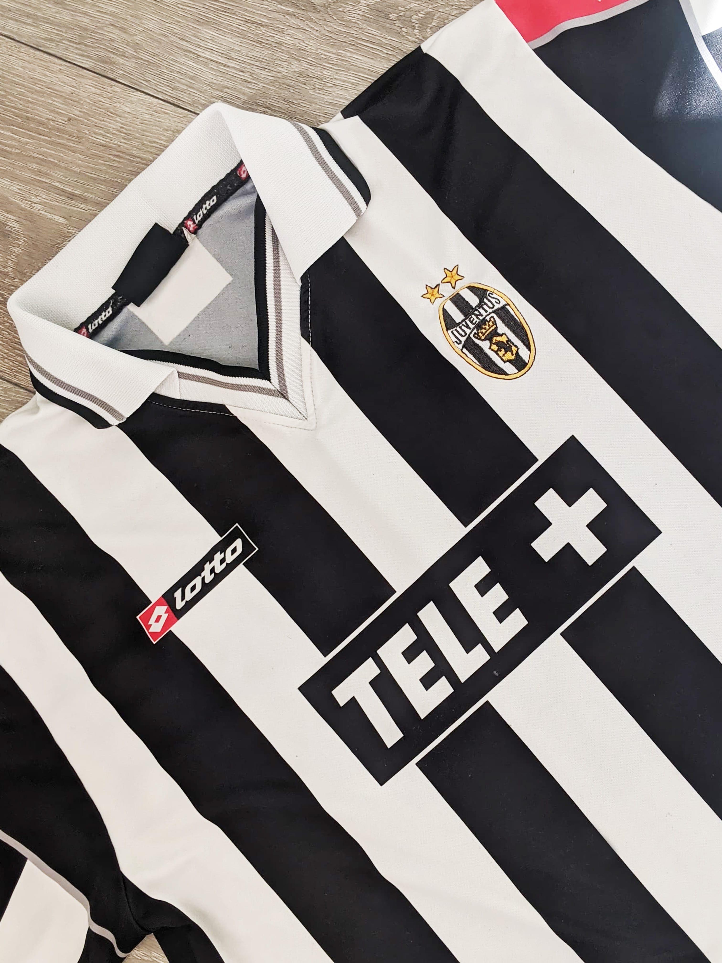 Juventus home - 2000/01