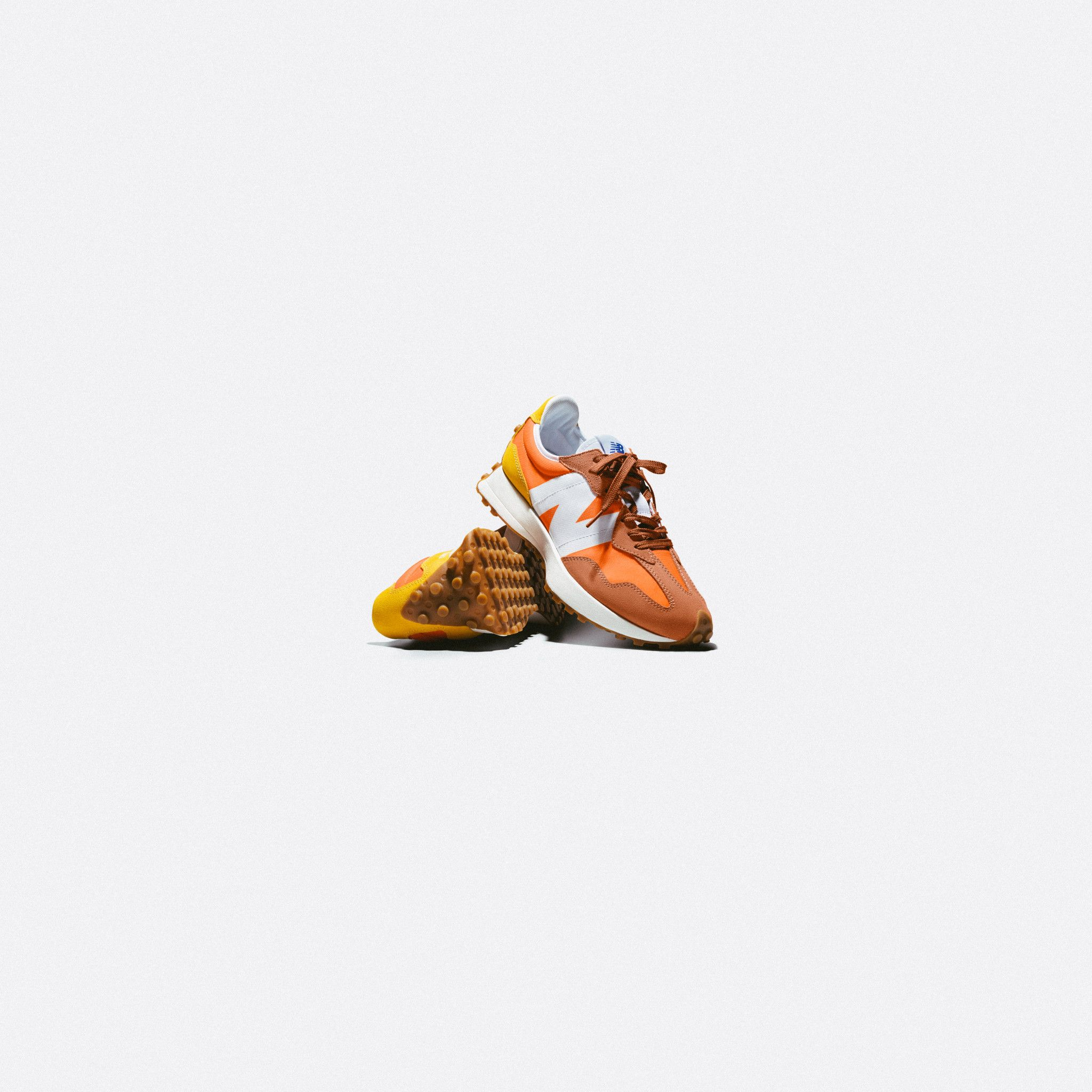 New Balance 327 Orange/white